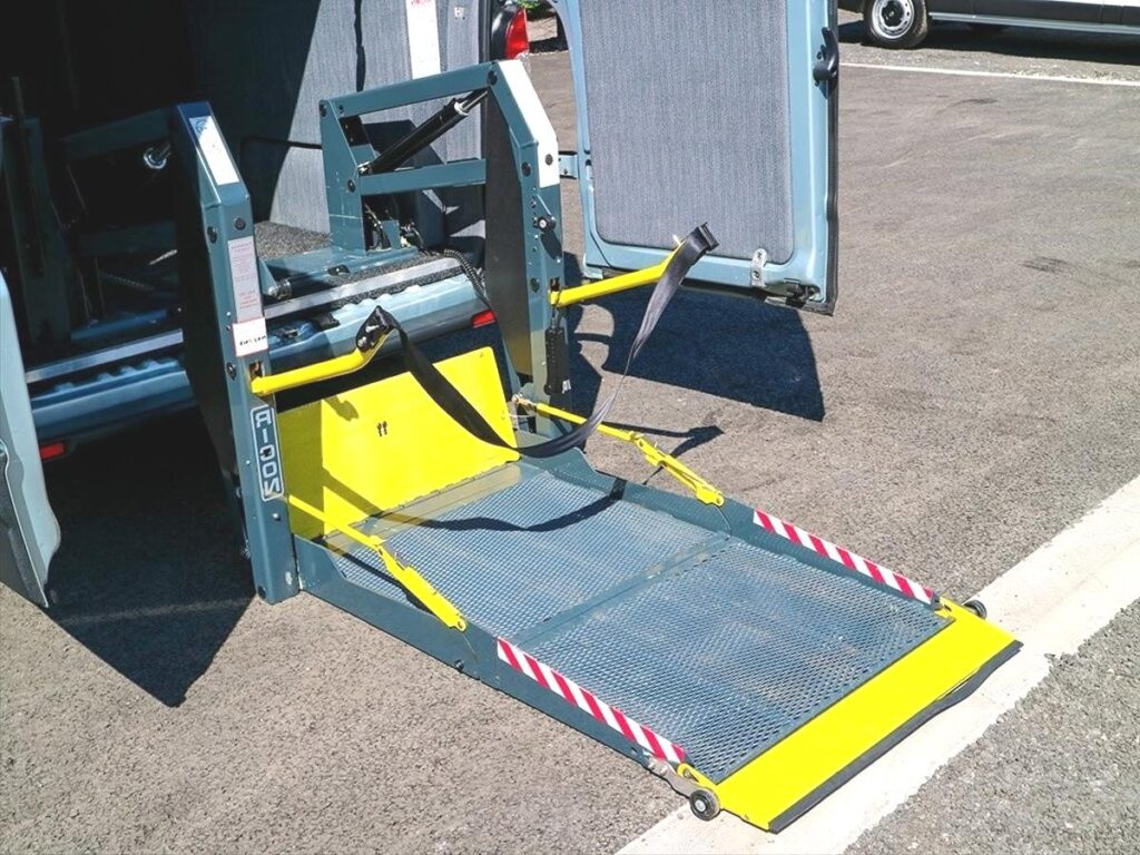 Burta samowyładowcza - podest może być częścią samochodu ciężarowego